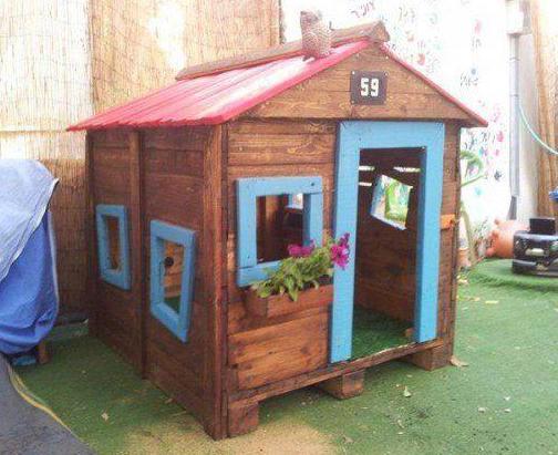 Kinderhaus Aus Paletten Für Den Garten