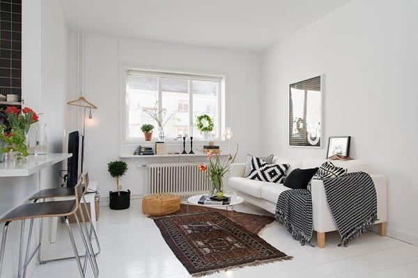 kleines appartement mit wohn esszimmer dekoriert mit sofa weiß und ...