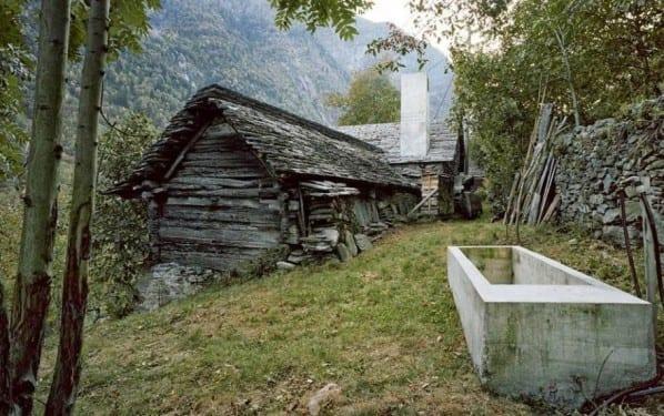 Kleines Altes Haus Im Berg Mit Luxus Interior Design