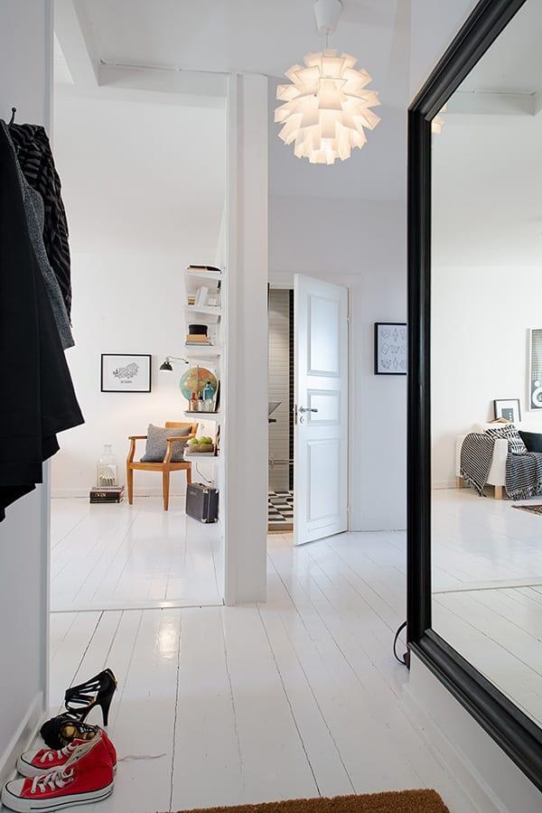 Luxus 2 Zimmer Appartement Mit Spiegelwand Im Flur