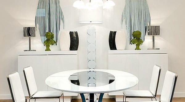 luxus esszimmer mit esstisch rund und sideboard weiß symmetrisch ...