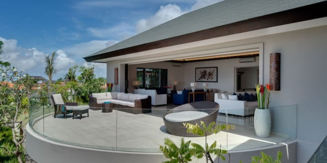 moderne terrasse halbrund mit terrassenm bel rattan und. Black Bedroom Furniture Sets. Home Design Ideas