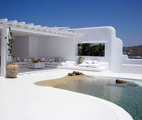 Moderne Terrasse In Weiss Mit Terrassendach Holz Als Mediterrane