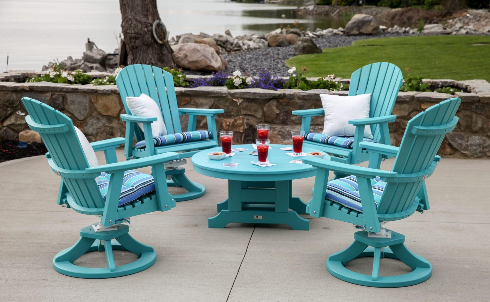 runder tisch blau mit blauen holzst hlen holz freshouse. Black Bedroom Furniture Sets. Home Design Ideas