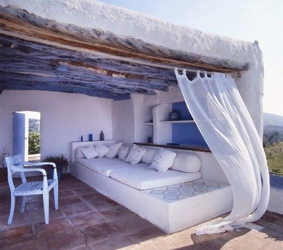Rustikale Mediterrane Terrasse Gestalten Mit Terrassenuberdachung