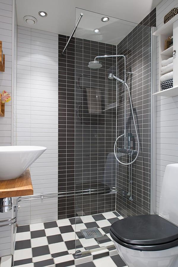Schickes Appartement Mit Kleinem Badezimmer Und Interior Design In