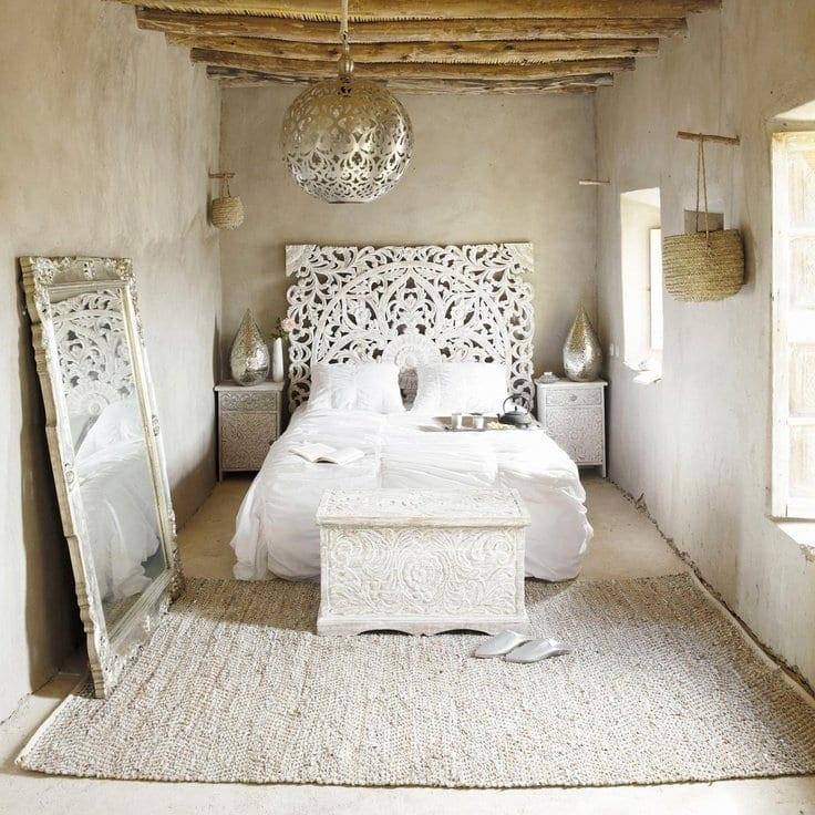 Fesselnd Schlafzimmer Inspiration Für Spektakuläre Schlafzimmereinrichtung Mit  Silberner Deckenleuchte Schlafzimmer