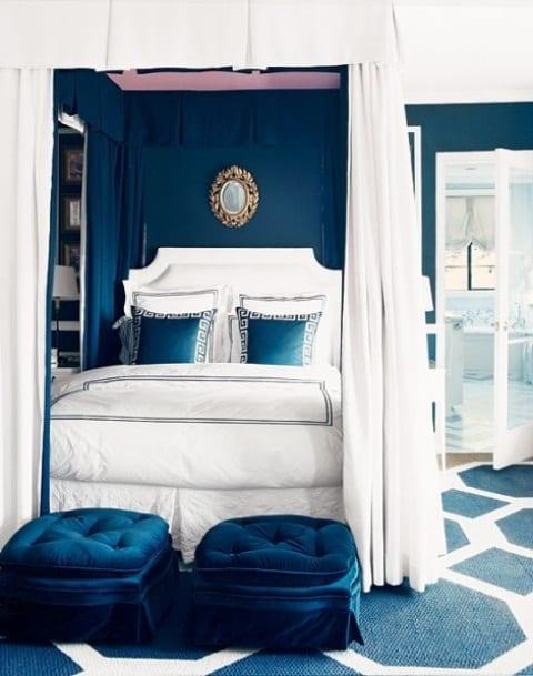 Schlafzimmer Inspiration Mit Wandfarbe Blau Spiegel Im Schlafzimmer
