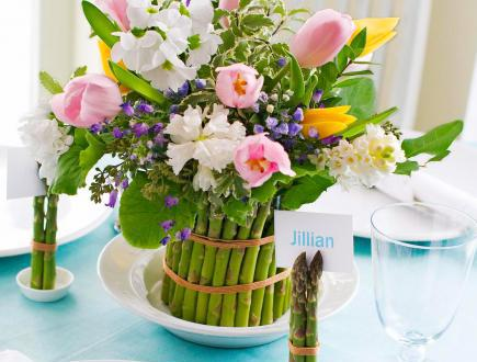 diy spargel vase mit fr hligsblumen als tischdeko fr hling freshouse. Black Bedroom Furniture Sets. Home Design Ideas