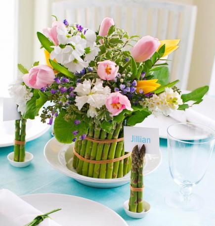 diy spargel vase mit fr hligsblumen als tischdeko fr hling freshouse. Black Bedroom Furniture Sets. Home Design Ideas