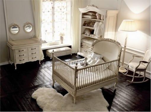 Kinderzimmer Landhausstil babyzimmer landhaus mit holzboden und weißen babyzimmermöbeln