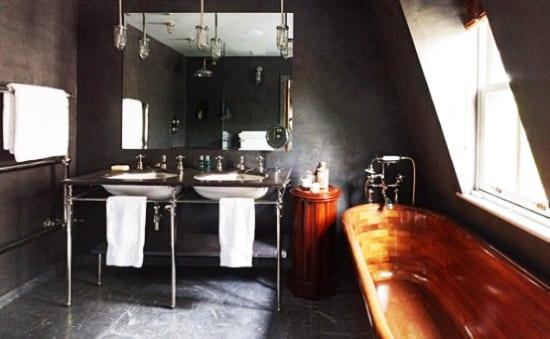 Badezimmer Grau Mit Freistehende Badewanne Holz