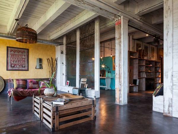 couchtisch selber bauen als wohnzimmer inspiration einer loft wohnung freshouse. Black Bedroom Furniture Sets. Home Design Ideas