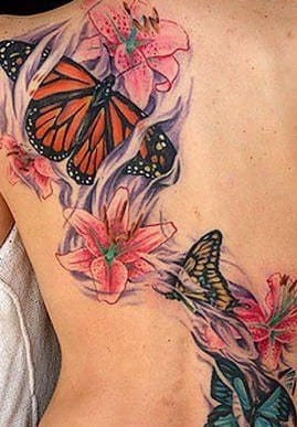 frauen tattoo idee mit tattoovorlage schmetterling mit blumen freshouse. Black Bedroom Furniture Sets. Home Design Ideas