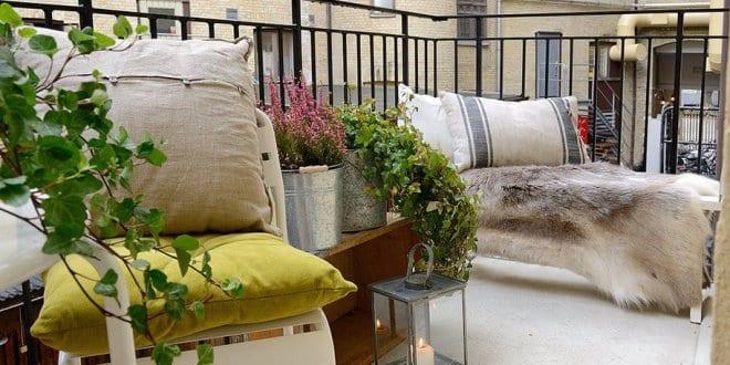 interessante balkon ideen mit pelz und gr ne pflanzen freshouse. Black Bedroom Furniture Sets. Home Design Ideas