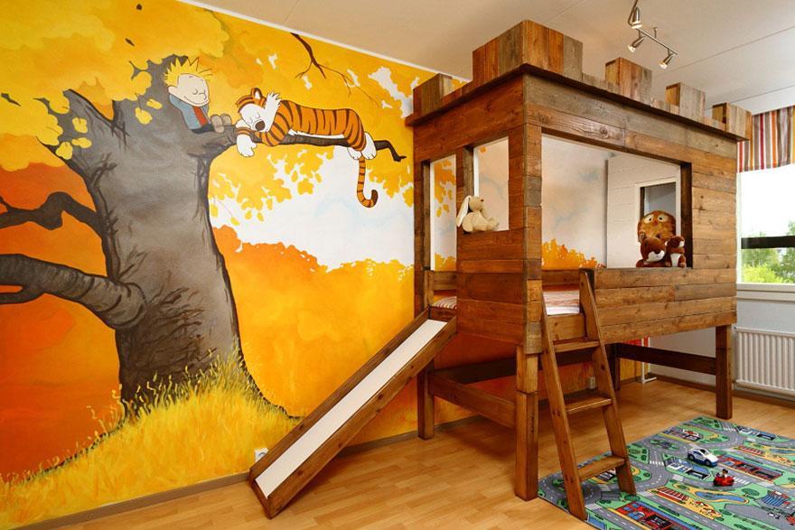 Kinderzimmer Wandgestaltung Und Einrichtungsidee Mit Holzbett Und Rutsche