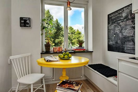 Kleine sitzecke k che mit gelbem esstisch rund f r k che for Esstisch rund klein