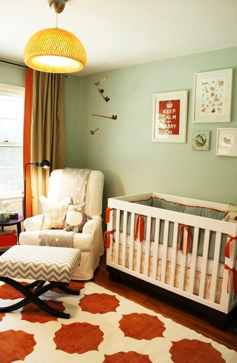 kreative gestaltung babyzimmer mit wandfarbe gr n und teppich babyzimmer wei und orange freshouse. Black Bedroom Furniture Sets. Home Design Ideas