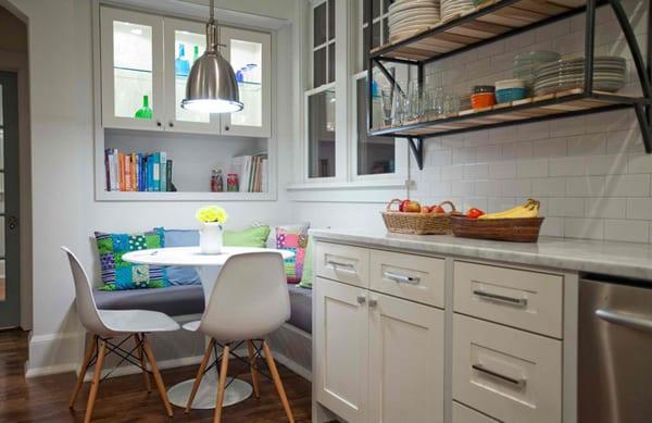 schicke kleine küche weiß mit eleganter sitzecke küche und runder ...