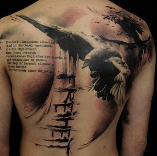 tattoo ideen mann mit schriftzug tattoo