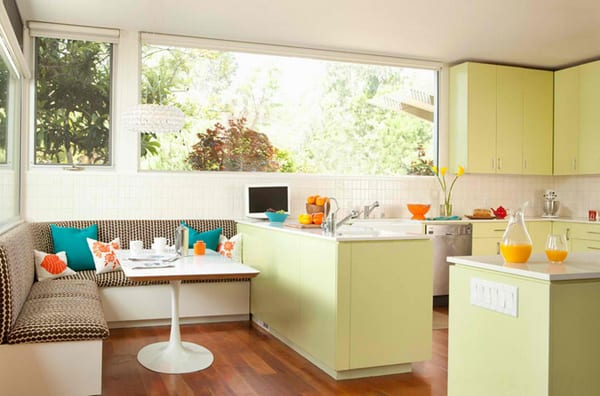 Weiße Sitzecke Küche Für Kleine Küche Mit Küchenschränke In Hellgrün