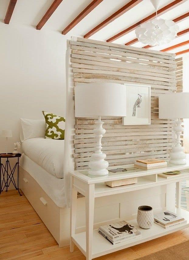 Weißes Interior Design Für Wohnzimmer Mit Schlafnische