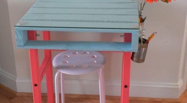 kinder schreibtisch aus paletten selber bauen freshouse. Black Bedroom Furniture Sets. Home Design Ideas