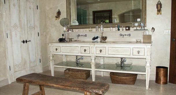 Badezimmer Holz In Weiss Als Beispiel Furs Badezimmer Rustikal