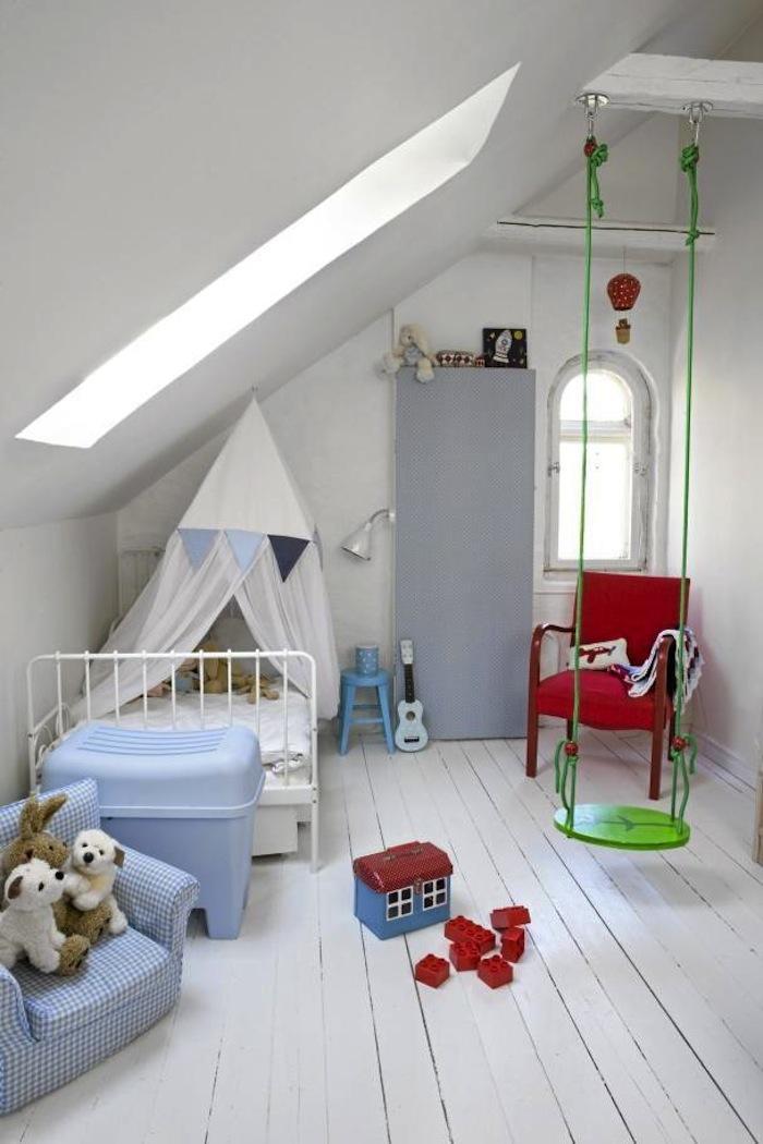 Kinderzimmer ideen dachschräge  kinderzimmer mit dachschräge und schaukel in grün - fresHouse