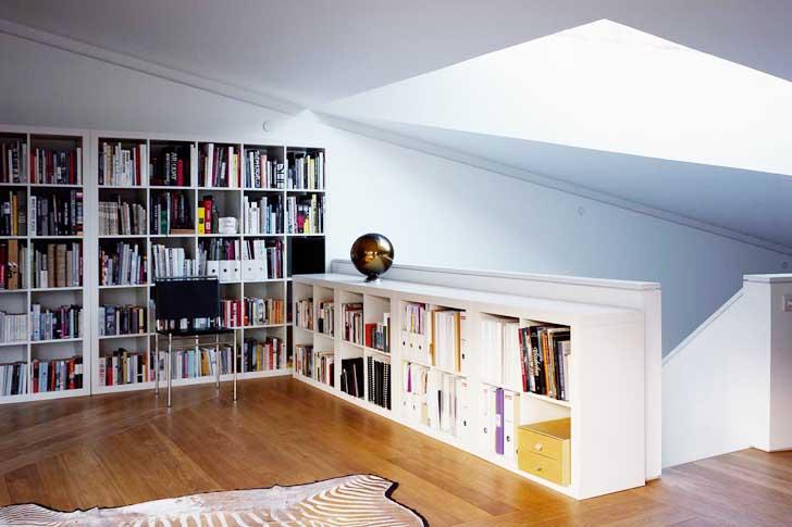Licht Ideen Wohnzimmer Und Modernes Interior Design Mit Weißen Bücherregalen