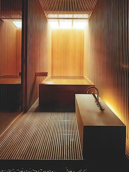luxus badezimmer holz mit japanischer badewanne aus holz und ...