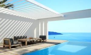 moderne auskragende Terrassenüberdachung Algarve aus Sonnenschutzlamellen