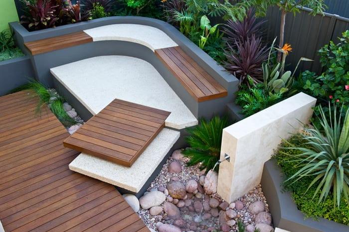 moderner garten gestalten mit sitzecke und gartenbrunen als idee f r traumgarten freshouse. Black Bedroom Furniture Sets. Home Design Ideas