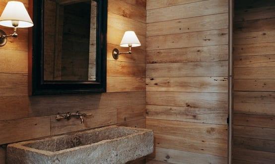 stylisches badezimmer design mit holzwänden und waschtisch aus stein ...