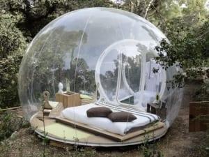 Bubble Zelt als modernes Schlafzimmer im Freien