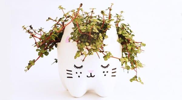 Bastelideen mit PET-Flaschen für DIY Blumentöpfe
