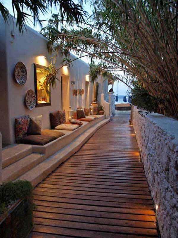 coole garten und terrassengestaltung mit sitzbank und gartenweg aus holz freshouse. Black Bedroom Furniture Sets. Home Design Ideas
