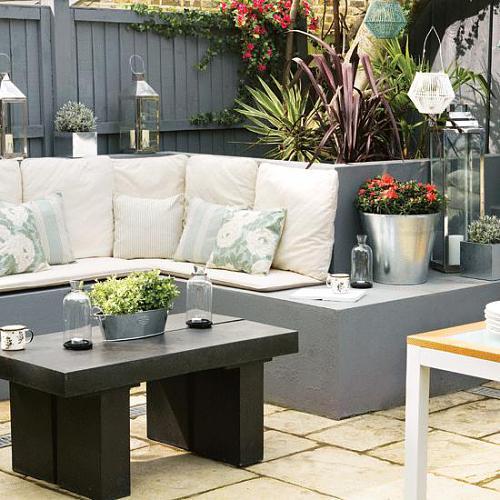 Coole terrassengestaltung und kleines wohnzimmer drau en einrichten mit ausgemauerte sitzecke - Coole lampen wohnzimmer ...