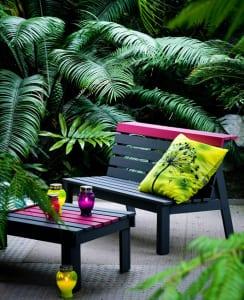 gartengestaltung-mit-moderne-gartenmöbeln-als-idee-für-drinnen-und-draußen-wohnen