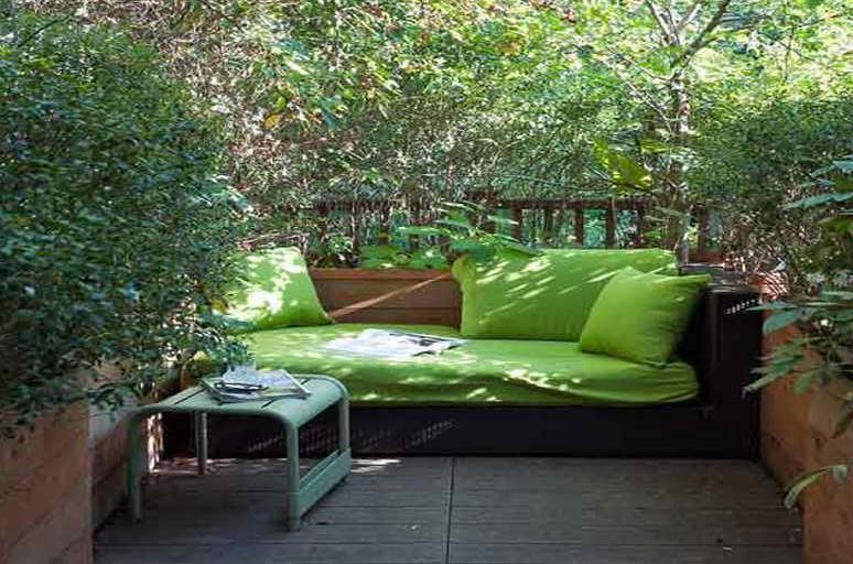 Kleine terrasse gestalten als kleines wohnzimmer drau en for Kleines wohnzimmer gestalten ideen