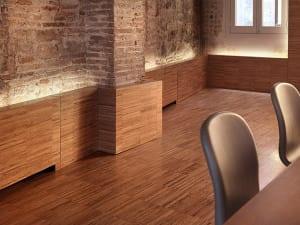 kreative Wandgestaltung mit Wandleuchten für modernes Wohnzimmer design