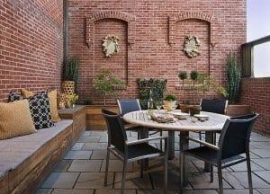 kreative terrassen gestaltung als klwinws wohnzimmer im freien mit DIY Sitzecke aus Holz