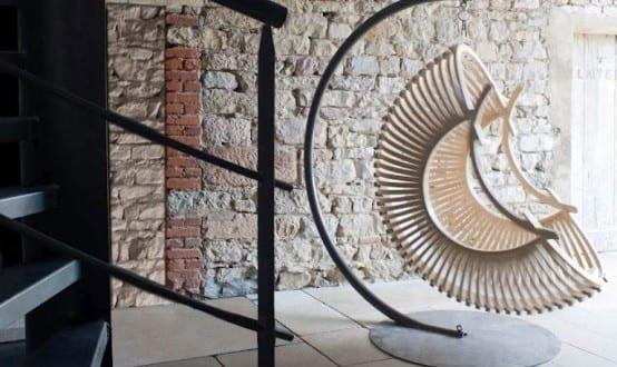 moderne Hängesessel mit Gestell von Concept Suspendu - fresHouse