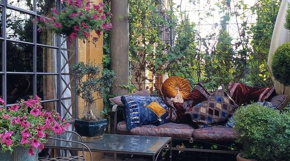 romantische terrassen deko als wohnzimmer draußen einrichten