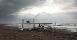 schlafen direkt an die Küste im Bubble Zelt