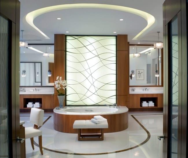 Indirekte Beleuchtung Im Badezimmer Als Deckengestaltung Und Wanddekoration
