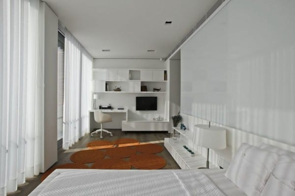 interior design moderner schlafzimmer weiß mit wohnwand weiß ...