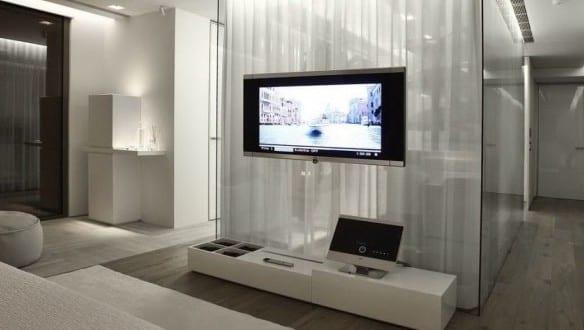 interior design schlafzimmer mit ankleideraum und moderne einrichtung mit wei en gardinen und. Black Bedroom Furniture Sets. Home Design Ideas