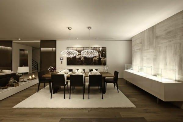 Schön Moderne Architektur Und Schickes Interieur Für Moderne Wohn Esszimmer  Mit Holzfußboden Und Marmorwand Grau