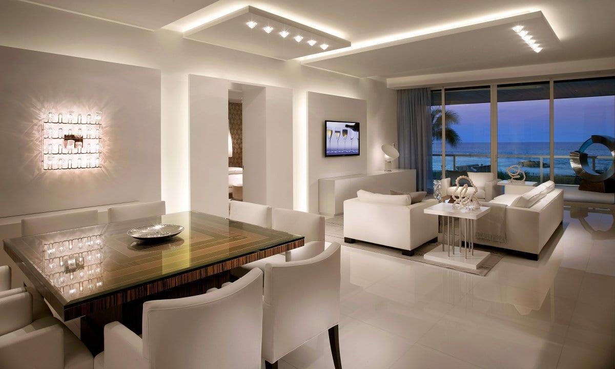 moderne wohnzimmer weiß mit kaltem licht gestalten via ...